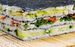 Салат суши слоями с красной рыбой