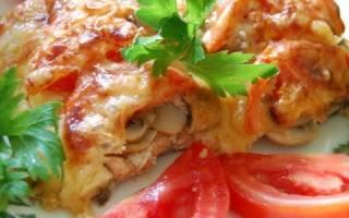 Треска запеченная в духовке с помидорами и сыром