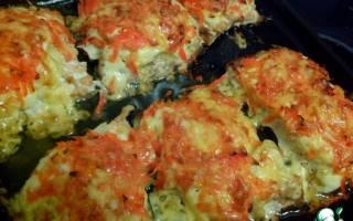 Горбуша под овощами и сыром