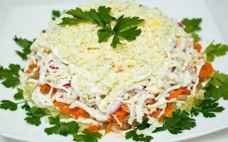 Салат с сайрой слоями