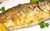 Рыба в духовке в рукаве