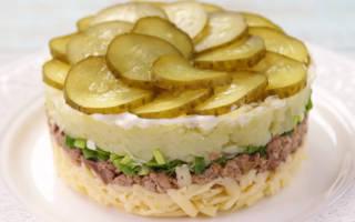 Салат с печенью трески и сыром