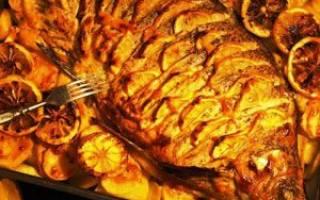 Лещ в духовке с картошкой
